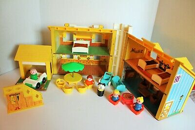 1969 Fisher Price Little People Yellow Tudor House #952 ~ People + Furniture