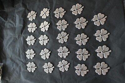 pour fabrication bijoux: pendentifs trèfle 30x25mm lot de 24pc