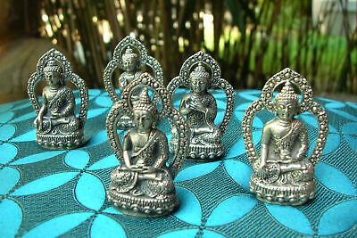 Ein Set 5x Old Tibetan Wooden Miniature Buddha Statue/Amulet in Silver