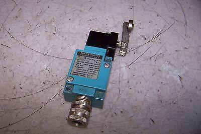Honeywell Micro Switch Lza1 Limit Switch W Arm 125250 Vac 12 Hp 10 Amp