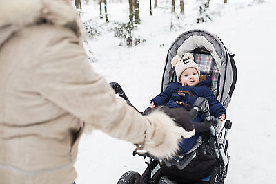 Der Kombi-Kinderwagen ist ein wahrer Allrounder. (Foto: Thinkstock)