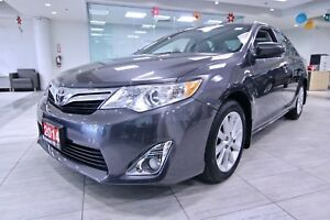 2014 Toyota Camry XLE Heated Seats| Navigation| Moon roof|Backup