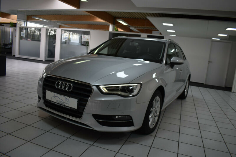 Audi A3 Sportback Attraction Xenon