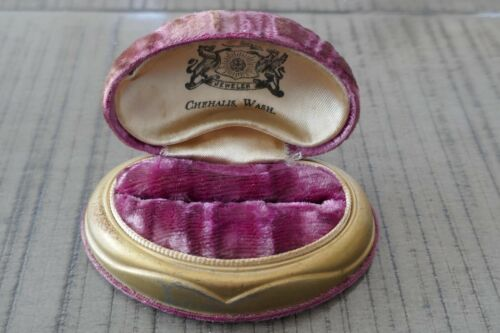 Antique R. Fechtner of Chehalis WA Pink Velvet Jewelry Box