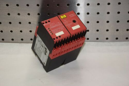 TELEMECANIQUE XPS-AT XPSAT 230V AC 50/60Hz SAFETY RELAY