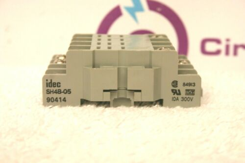 Idec SH4B-05 Relay Base *XLNT*