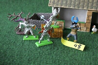 Britains medieval knights on foot x4 no48