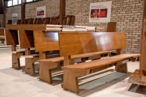 Midcentury Modern Solid Oak Pew Bench, 6.5 Feet Long, Church Salvage, Virginia
