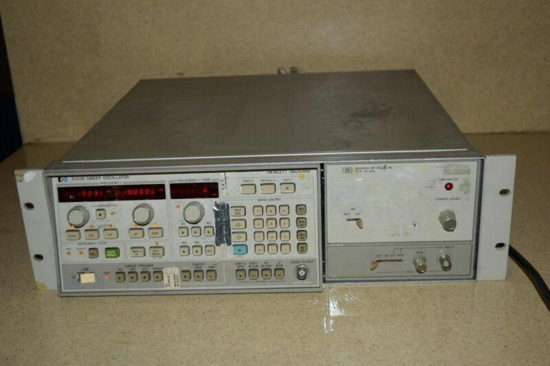 HP 8350B SWEEP OSCILLATOR W/ 86260A RF PLUG-IN (UV)