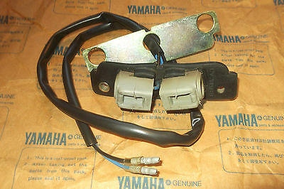 <em>YAMAHA</em> XS650  XS1100  GENUINE  NOS  LICENCE  PLATE  LIGHT  UNIT    3G