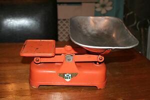 Vintage Weylux - The Rex - kitchen scales