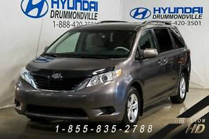 Toyota Sienna LE + GARANTIE + 7 PASSAGERS + EXCELLENTE CONDITION