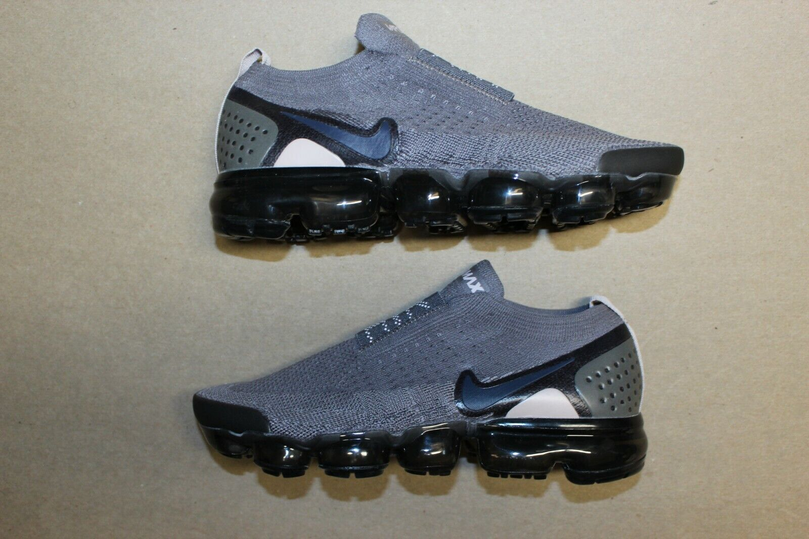 Women's Nike Air Vapormax Flyknit Moc 2 Laceless Size 8 Gray