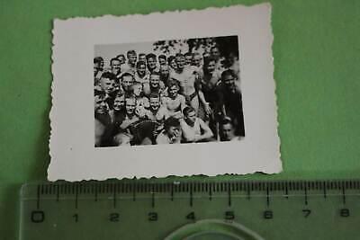 tolles altes Foto - junge Männer in Badehosen - Hilfswerklager Hattingen ???