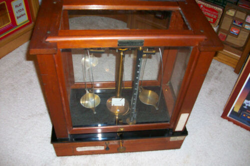 Antique Wood and Glass Seederer Kohlbusch Scale