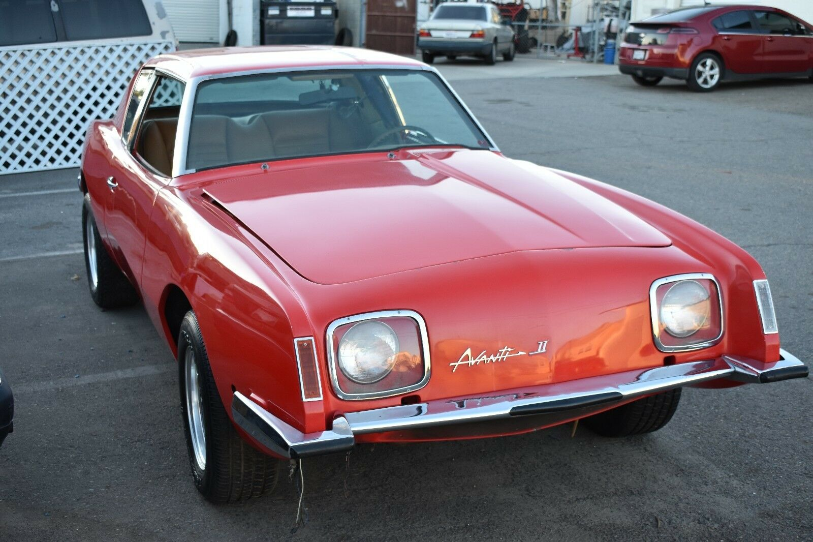 1971 Studebaker Avanti II: 1971 Studebaker Avanti, Rock Stars Project Car 350 V8  Lots of parts included