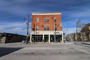 **RENOVATED** 2 Bedroom Downtown Thorold!!
