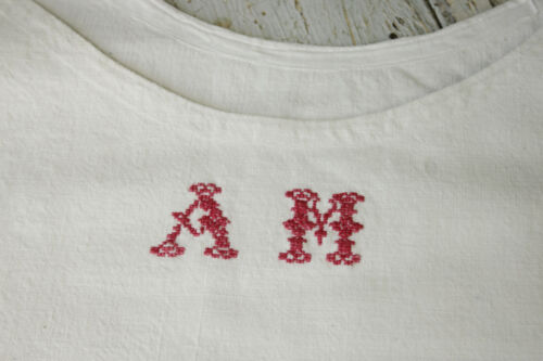 French chemise night shirt or nightgown white linen & cotton AM monogram 1910