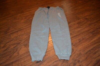 D23- Falcons Gray Pants Size Medium