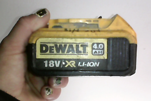 WANTED TO BORROW DEWALT CHARGER Gosnells Gosnells Area Preview