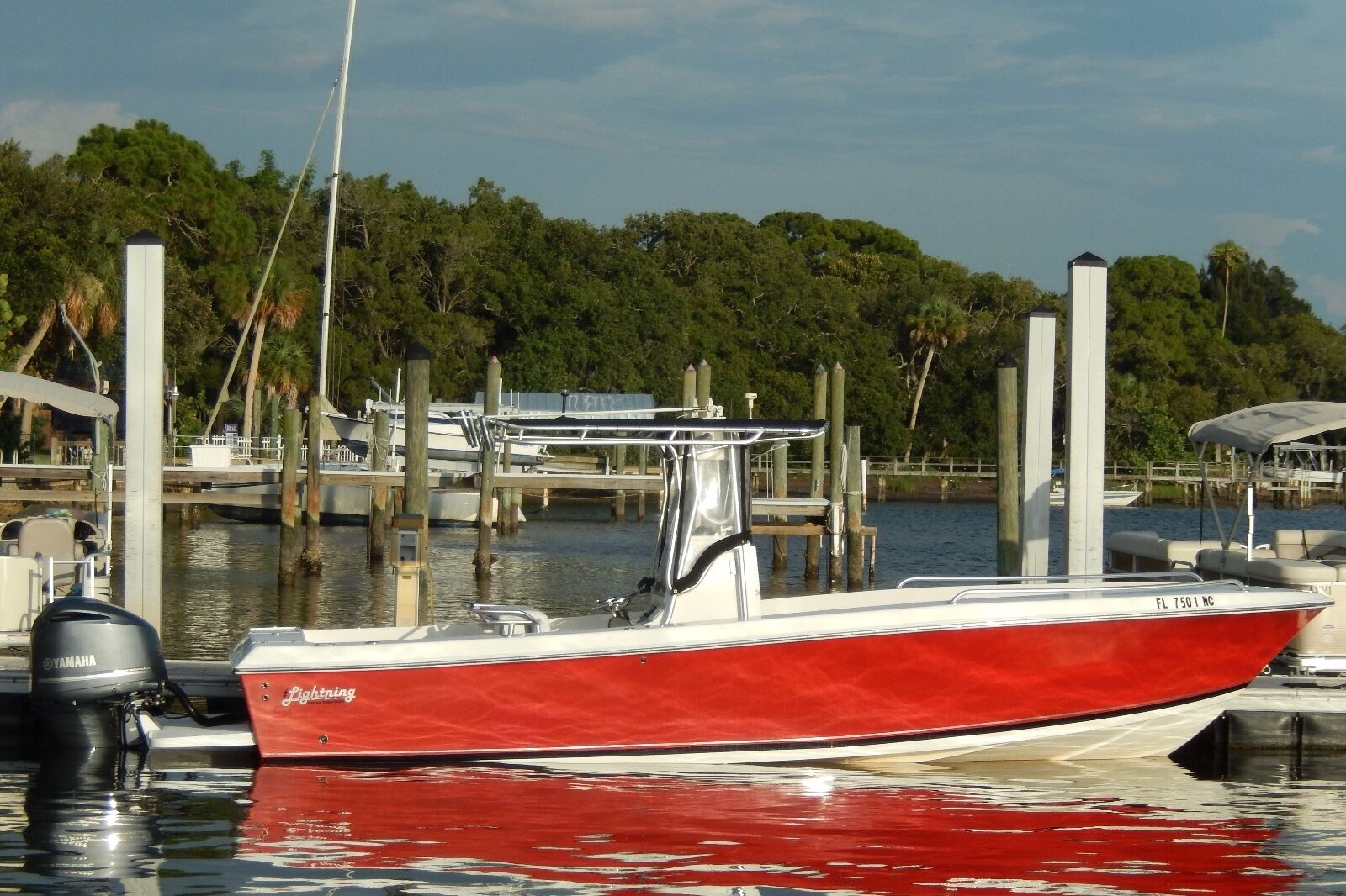 2006 26 Ft Center Console Fishing Boat W/ 2013 Yamaha 300 4-Stroke