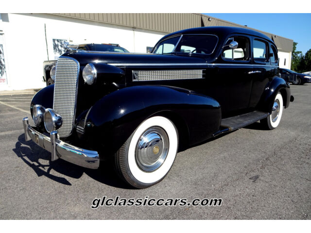 1937 Cadillac Series 60 Touring Sedan V-8 Fisher Body Low Reserve