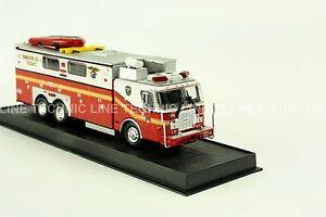 Giant Fire Truck E-One Heavy Rescue -New York, USA -1999 Diecast Model 1:64 No 4