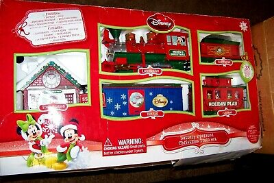 2016 LARGE N-scale 28 Piece Disney Mickey Mouse Christmas Train Set Station Cars