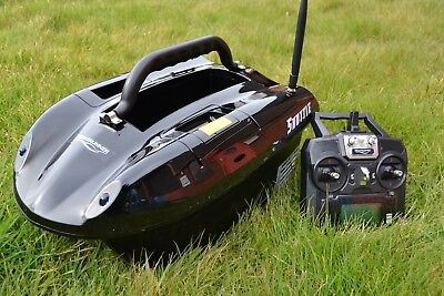 Latest 5.8ghz 2020/21 Shuttle Bait Boat + Spare Batteries & Solar Panel