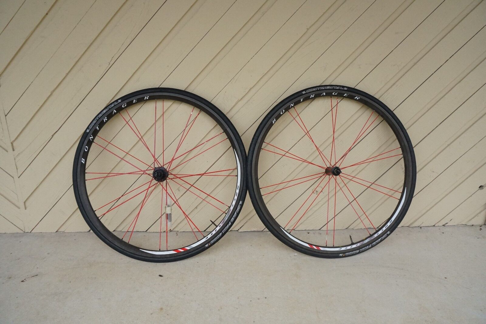 Bontrager race xxx lite bicycle wheels