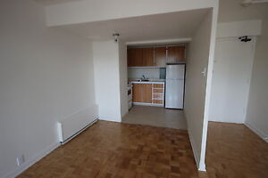 Spacious 3.5 avail July 1st - TUPPER - ATWATER METRO