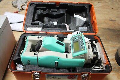 Nikon Dtm-520 Total Station Surveying Equipment W Case