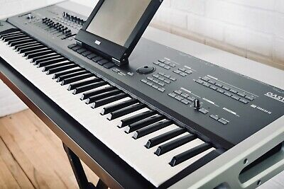 Korg Oasys 76 key piano keyboard synthesizer near mint condition-synth for sale for sale  Shipping to South Africa