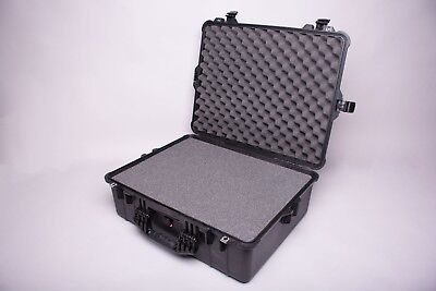 PELICAN 1600 Large Case w/Pick and Pluck Foam (Black)