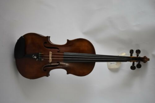 Violin labeled Ferdinandus Gagliano Filius Nicolai 1764