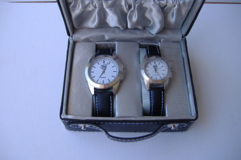 World Poker Tour Official His/Hers Watch Set /Gift Case