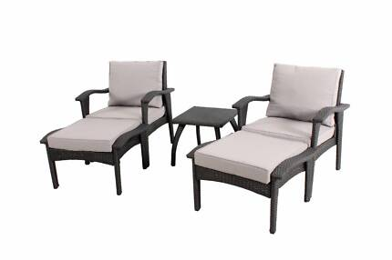 Outdoor Arm Sofa Chair 5pc Relaxing Setting with Ottomans Table