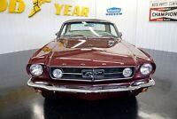 Miniature 10 Coche Americano de época Ford Mustang 1965