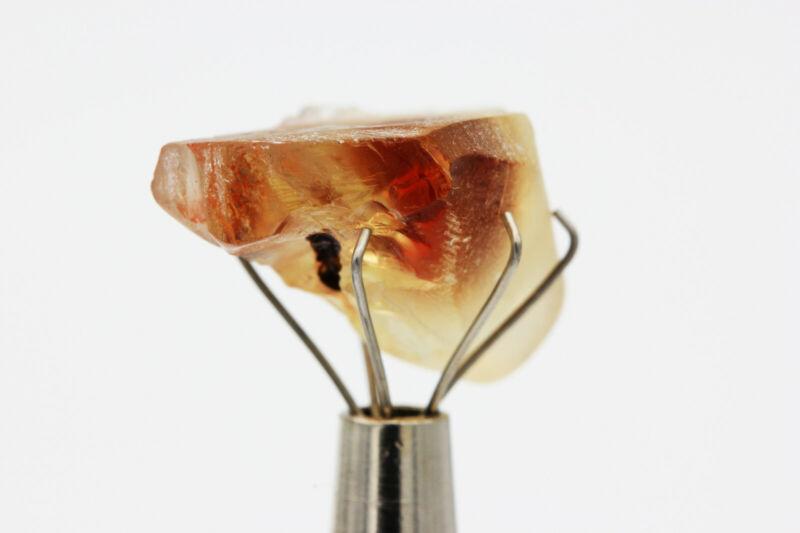 OREGON SUNSTONE Deep Red - Facet Rough Gemstone - 16.75ct - 18mm