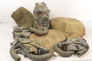 WWII-US-GI-Gas-Masks-w-Storage-Bag