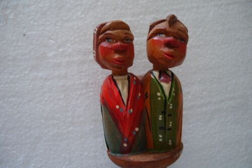 Vintage Cork Hand Carved Wood Wine Stopper with Mechanical Kissing Couple