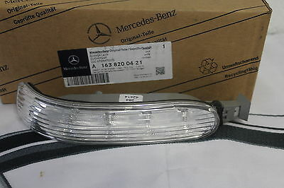 Genuine Mercedes-Benz W163 ML RH Mirror Repeater Indicator Lamp A1638200421 NEW