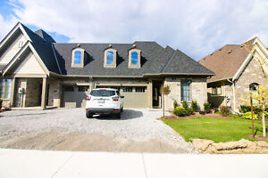 **STUNNING** 2 Bedroom Home in St. Catharines!!