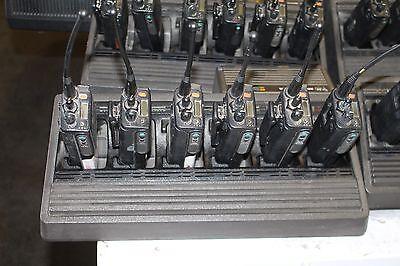 Set Of 6 Motorola Mts2000 Flashport H01ucd6pw1bn Radios With Charger Radio