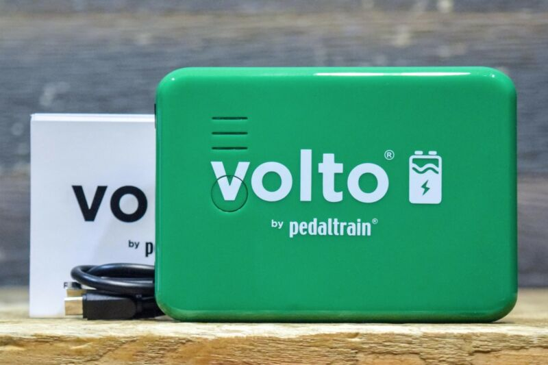Pedaltrain Volto 3 Rechargeable Power for 9V Pedals USB Charging Power Supply