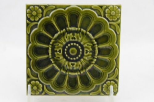 MINTON STOKE ON TRENT TILE GREEN FLOWER