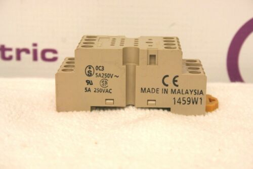 Omron PYF-14A-N Relay Base *XLNT*