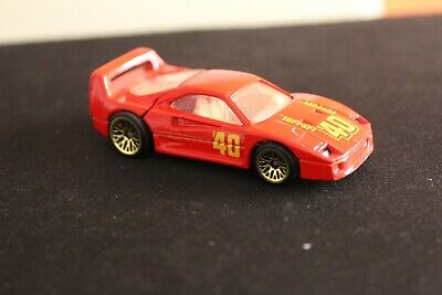 1988 HOT WHEELS FERRARI F40 RED WITH OPENING HATCH