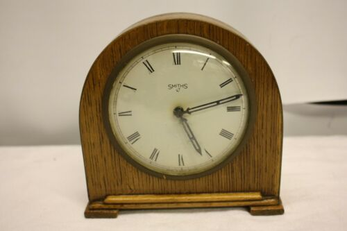 SMITHS WOODEN WATCH CLOCK MECHANICAL MANTEL TABLE CLOCK VINTAGE