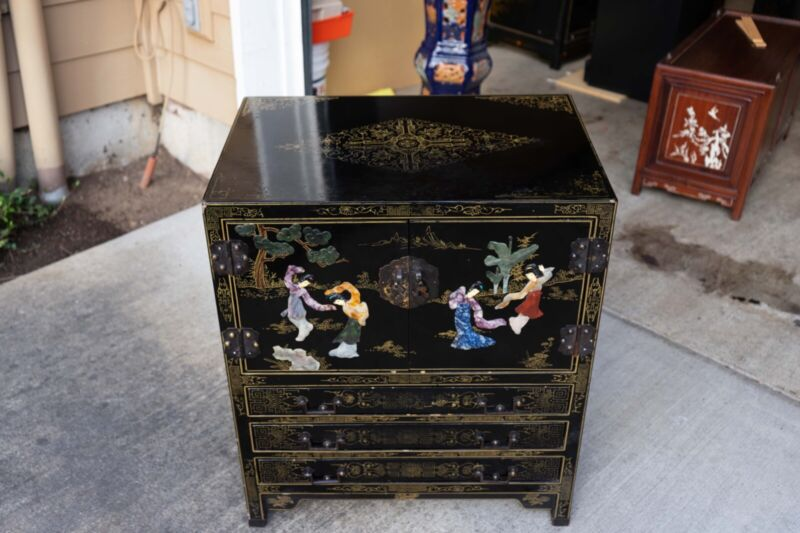 Antique Chinese Cabinet with Storage Area and 3 Drawers